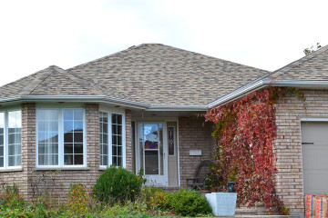 https://feeneyroofinginc.ca/wp-content/uploads/2015/06/Shingles_Project10.jpg